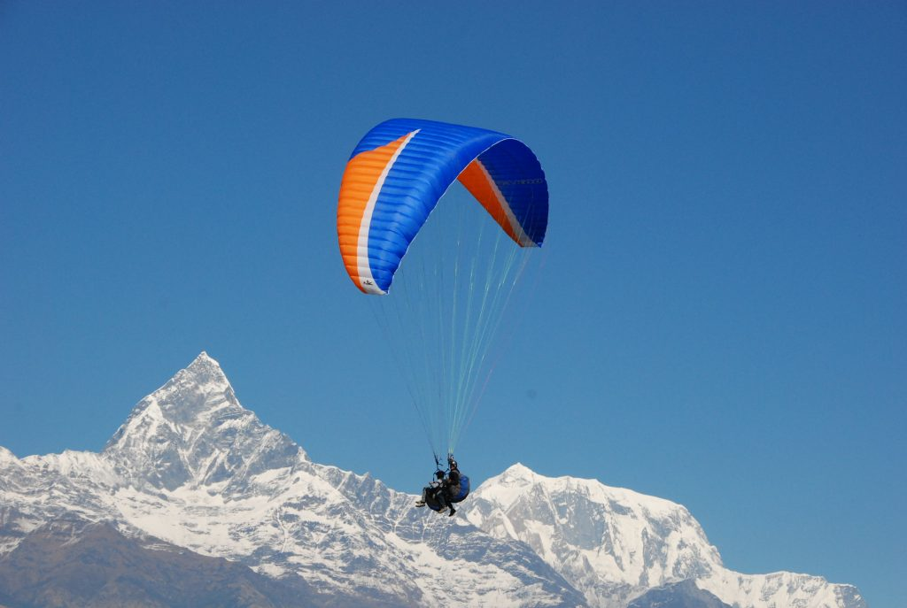paragliding-in-pokhara_bhanjyangtravels